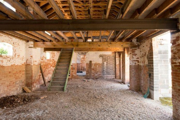 Rénover une maison ancienne: un investissement conséquent